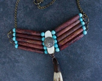 "Native American Necklace ""Iiniwa"""