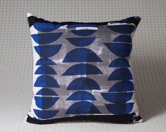 Abstract cushion 2