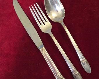 SILVER PLATE FLATWARE, Wm Rogers flatware, First Love flatware, flatware replacements, silver flatware, silver spoon, silver fork, knife