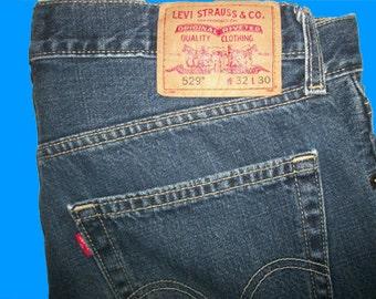 Levis 529 Low Rise Straight  32 W x 30 L