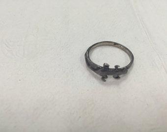 Vintage Silver Salamander Ring -size 8 - E074