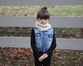 Child scarf, crochet cowl, kids scarf in fisherman