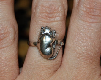 Sleeping Kitty Cat Sterling Silver Vintage Ring #BKC-KRNG29