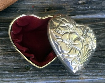 Vintage International Silver Company Embossed Floral Heart Pattern Jewelry Box