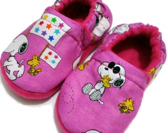 Snoopy Peanuts Sewing Handmade Baby Girl's Shoes Slippers Booties Choose Size 0 -24 M 3T - 5T Pink Baby shower Gift