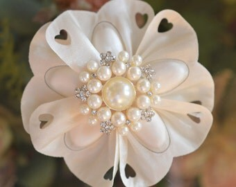Confetti Flower with brooch, Almond Favors, Wedding Favors Bomboniere