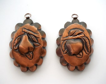 Ornamental Copper molds 1970s from Italy, pear mold and apple mold, kitchen decor wall hanging