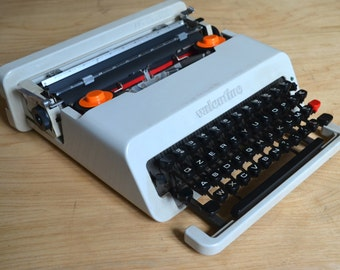 Extremely Rare   White Olivetti Valentine Typewriter   Fulle Serviced    Working Perfectly