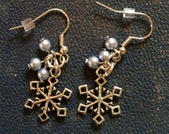 Snowflake and bobble earrings