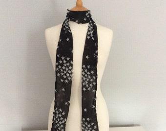 Star black & white skinny scarf