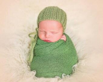 Baby knit green bonnet, knitted hat,  newborn photo prop