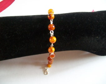 Pearl bracelet with genuine amber