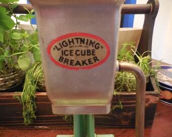 Lightning Ice Cube Breaker