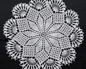 White handmade doily No.41
