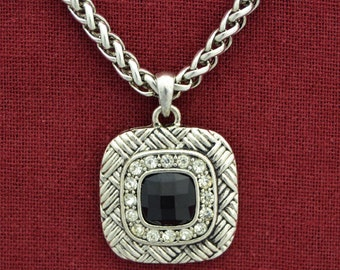 Chantilly's Black Square Necklace - 55386