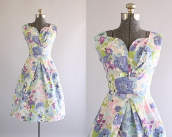 Vintage 1950s Dress / 50s Cotton Dress / Purple and Pink Floral Sun Dress w/ SHELF BUST S