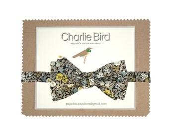 "Flowered Charlie Bird bow tie on Liberty ""Fitzgerald grey"""