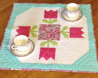 Quilted Tulip Time Centerpiece, Table Topper, or Candle Mat - Reversible