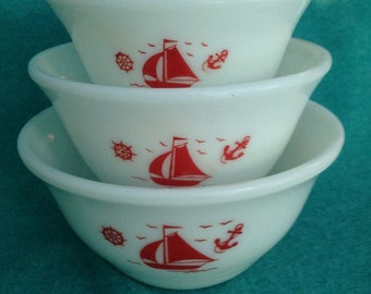 McKee Glass Ships Red on White Glass Mixing Bowl 3 Piece Set
