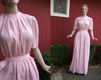 Vintage 1970s Pink Maxi Dress | Long Vintage Pink Dress with Sash | Pleated Collar Retro Dress | 70s Floor Length Gown
