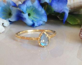 20% off- SALE!! Labradorite Ring - Genuine Gemstone - Stacking Ring -  Gold Ring - Bezel  Ring - Hammered Ring - Simple Ring - Rainbow Ring