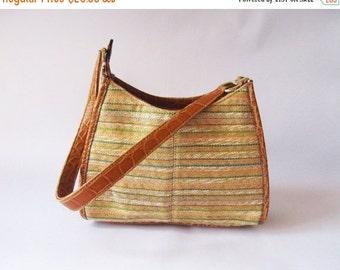 ON SALE Vintage Light Brown Handbag / Country Style Satchel / Handheld Satchel