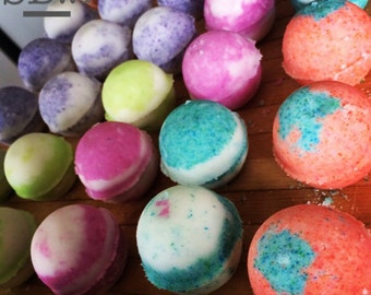Bath bomb. Set of 4 (tennis ball size) bath bombs made with organic, raw coconut oil. Choose your scents. Lush style, very moisturizing