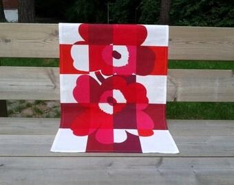 Linen kitchen tea towel made from Marimekko fabric, natural linen dish cloth, red linen hand towel, decorative towel, Scandinavian design