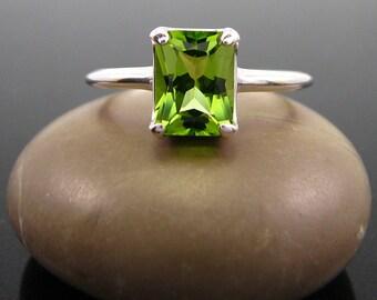Peridot Ring  sterling silver peridot ring - August Birthstone Ring - peridot ring silver - ring peridot - genuine green peridot size 6 7 8