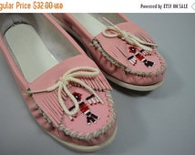 SALE Pink Minnetonka   10   1980 Vintage Pink Leather Beaded Moccasins 80s Native Thunderbird Shoes
