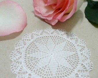 Two Miniature Crochet Round Doily 0 75 Inch Dollhouse By