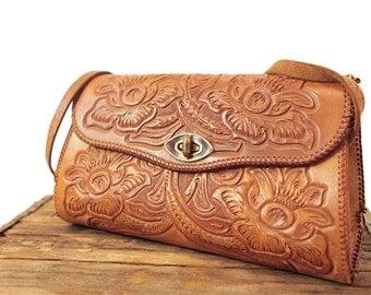 1970's vintage tooled leather purse!
