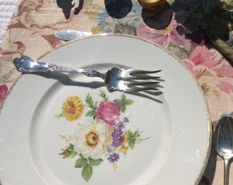 vintage Bavarian china,large dinner plate,heavy china,painted flowers,serving plate,white and pink roses,botanical flowers