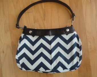New Thirty-one Purse Navy & White Chervron Purse Skirt for Suite Skirt Purse 31 Gifts Zig Zag