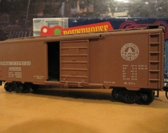 Vintage Roundhouse HO Scale 40' Boxcar Baltimore & Ohio Kit - Built w/Box And Instructions Ships Free in North America