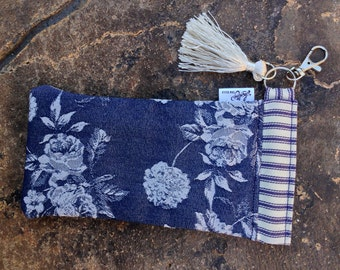 Sunglasses Snap Case - Denim Roses