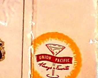 Set of 4 Union Pacific Railroad White  Paper Napkins/Never Used