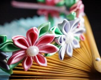 Vintage looking flower crown kanzashi