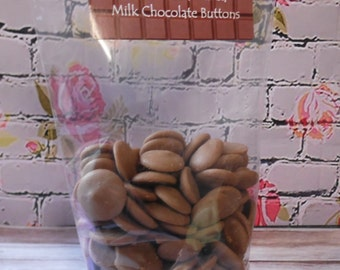150gr Caramel Flavoured Milk Chocolate Buttons = Personalised Gift Pack