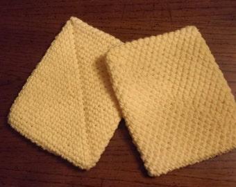 Cranberry crocheted potholder