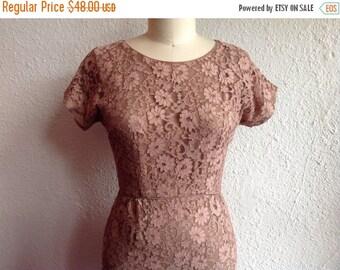 SALE 1960s Dusty rose lace dress