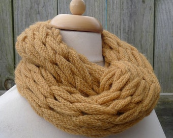 Merino Snood: mustard yellow