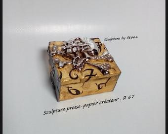 creator clipboard sculpture. R67