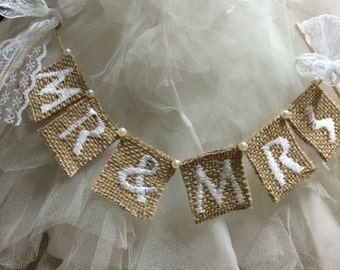 Mr & Mrs wedding cake topper, burlap cake banner,cake flags with lace ribbon,rustic wedding.