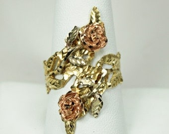 Vintage Hand Fabricated Hallmarked Ladies Ring 14K Yellow Gold Bypass Ring Textured with Appliques 14K Rose Gold Roses Sz 9.75 c1970s