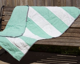 READY TO SHIP || Mint Rugby Stripe Quilt Crib Blanket