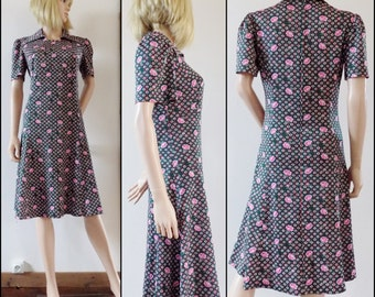 70s stretchy green pink floral dress pretty lightweight French summer dress size medium