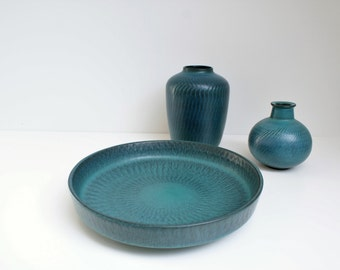 Turquise bowl made by Gunnar Nylund, Nymølle, Denmark. Danish Modern.