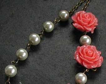 Pink Flower Necklace Beaded Cream Ivory Glass Pearls Necklace Vintage Style