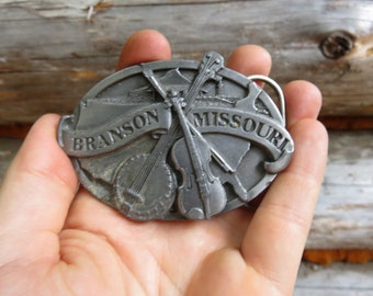 Vintage Branson MO Belt Buckle. US Made in Oregon by Siskiyou co. Branson Missouri, Fiddle and Banjo.